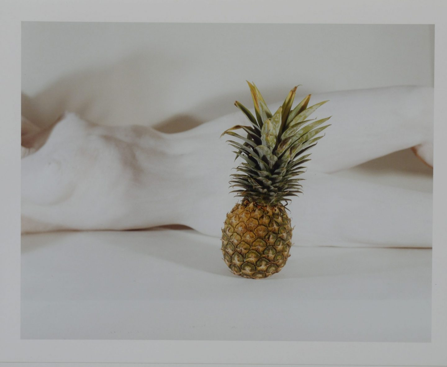 Schiavo White Nude with Pinapple